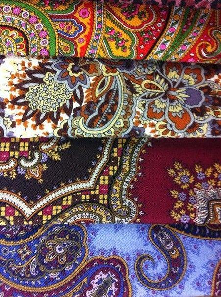 Russian Pavlovsky Posad shawls. #folk #Russian #shawl