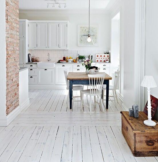 bielona podłoga styl skandynawski w designerski sklep
