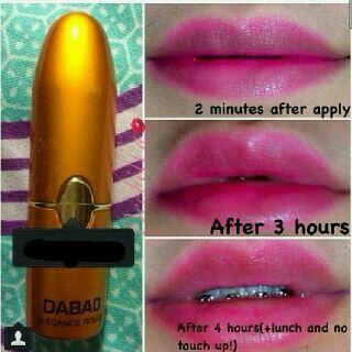 Hi Ladies, ready stock lipstick  DABAO Elegance Rouge Gold:  no.10 (Pink)  no.11 (Orange Glitter)  no.12 (Red)  GRAB IT FAST Gals!!!   ayo diborong,,,  kapan lagi punya lipstick awet walau dipake makan, minum, berenang dan walau keujanan warnanya akan nempel seharian.  Buat bibir jd lembut n lembab..  untuk contoh warna2nya dan testimoni lipstick ini dapat dilihat di Instagram kami @edwardcindyshp.  Thank you all, salam kecup DABAO *KISS*