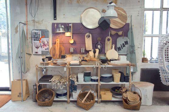 JOELIX.com - La Maison Pernoise cutting board wood concept store Pernes Les Fontaines