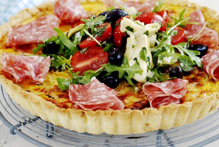 Italiensk paj med salami - Recept - Tasteline.com