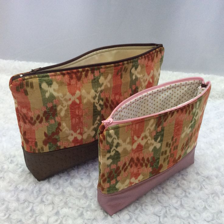 Flat bottomed zipped pouch that can be used as make up or accessories bags