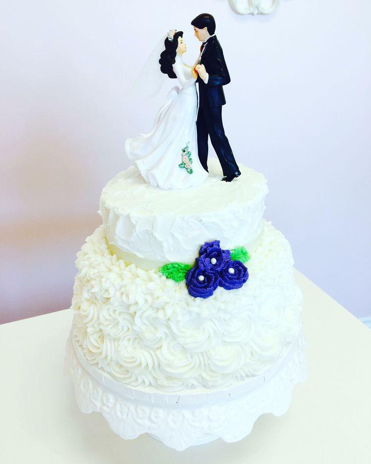 Traditional #WeddingCake #DvasCakes #Cambridge