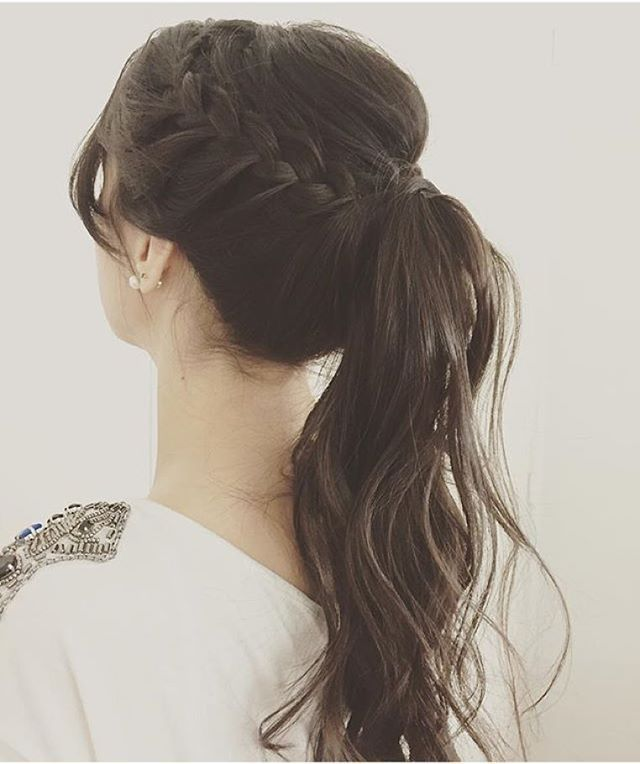 long hair pony tail with braids. Hair ideas to copy now. Waves and long hair.