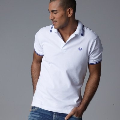 Polo FRED PERRY Slim Fit Blanco Vivos Azul CD1352C1  79 €  http://galery.es/tienda/polo-slim-fit-blanco-vivos-fred-perry-cd1352c1
