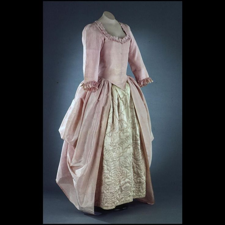 Polonaise Gown, 1770-1785, British, Colonial Williamsburg Acc. No. 1983-233