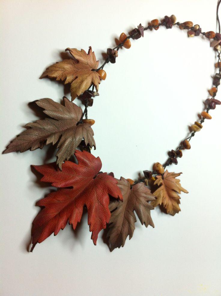 Collar - gargantilla, piel y piedras Leather, handmade