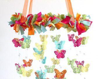 Mariposa móvil de vivero vivero de color de por LovebugLullabies