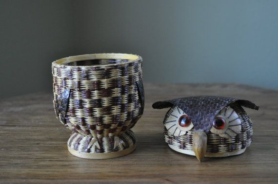 bagoly Wicker Owl basket. Hand woven trinket box by RjBeaVintageCravings
