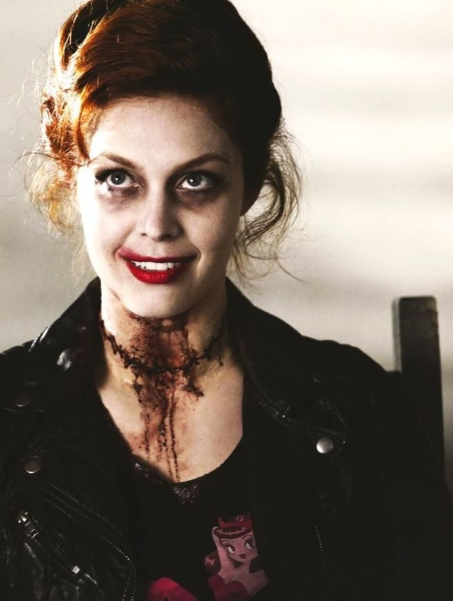 Abaddon #SPN Met Alaina Huffman at #seacon yesterday! (3/29/2015) Loved her as Abaddon on Supernatural & Black Canary on Smallville!