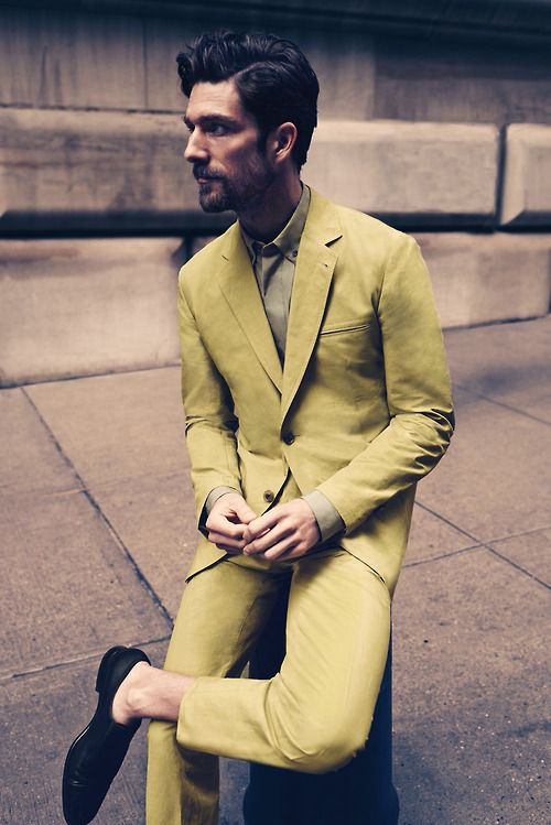 Le jaune est et sera toujours ma couleur- 50 shades of yellow // menswear suit style + fashion