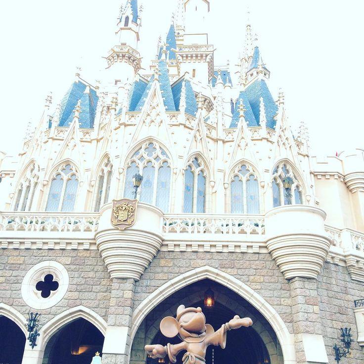 In love with Disney 😍😍😍 #disney #disneyland #disneylandtokyo #happy #love #smile