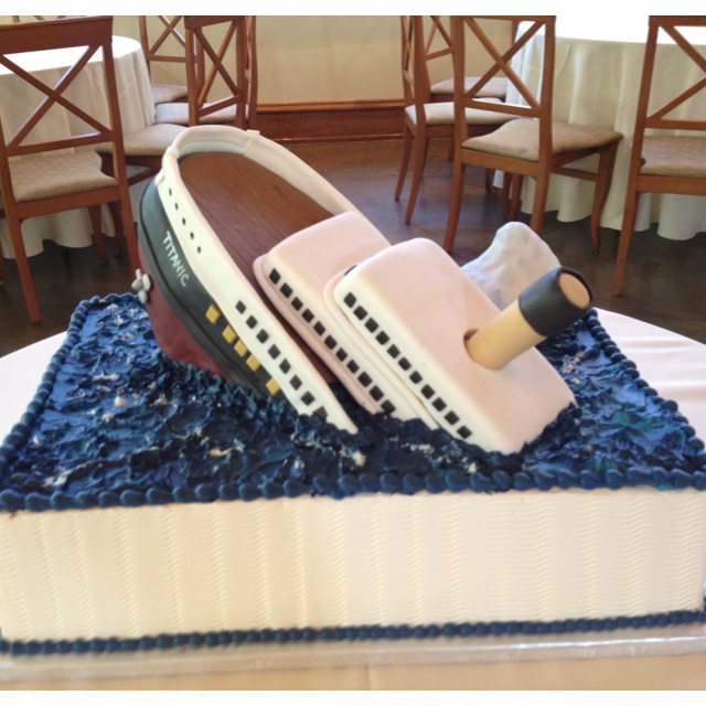 Titanic cake
