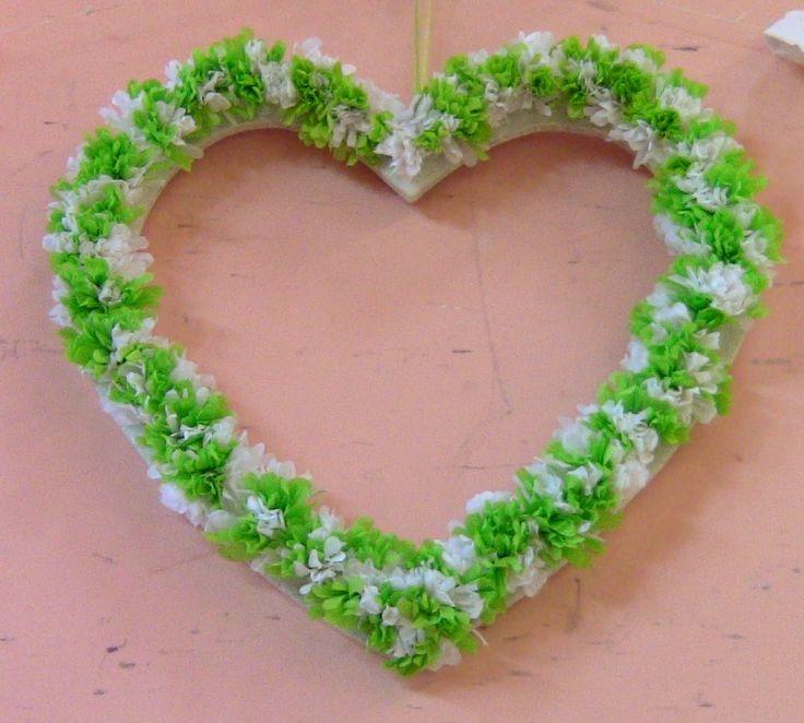 C ur en bois perc de trous pour accrocher des fleurs en papier crepon d coration de mariage - Fabriquer des fleurs en papier crepon ...