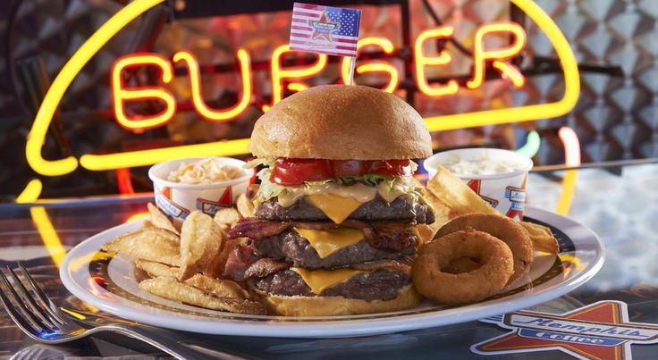 Le Memphis Burger et ses 3 pièces de viande hachée de bœuf fraîche ... miam !