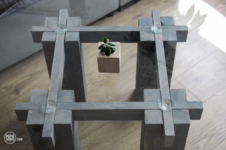 Sashimono hashtag coffee table made out of reclaimed wood. Stół wykonany z odzyskanych materiałów.
