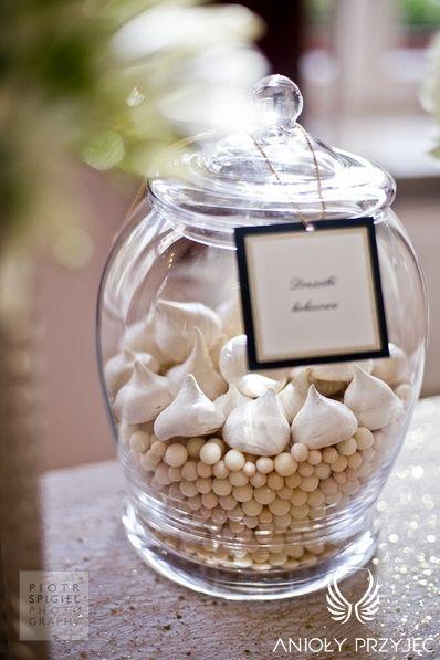 16. Platinum Gold Wedding, Sweet buffet, Sweet buffet decoration / Platynowo złote wesele, Słodki bufet, Anioły Przyjęć