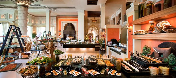 Friday Brunch in Dubai at Jumeirah Al Qasr | Madinat Jumeirah