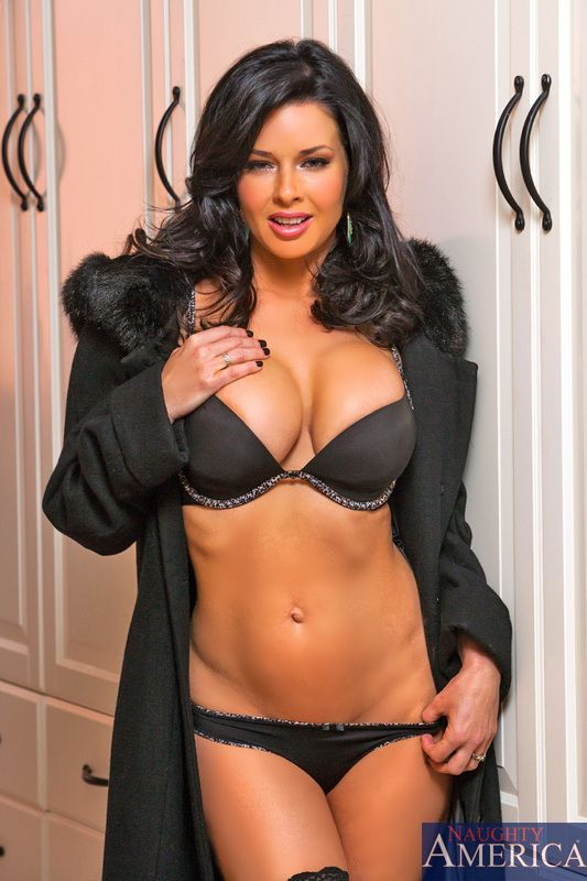 Pornstar Veronica Avluv  Pstars  Pinterest  Black -1476