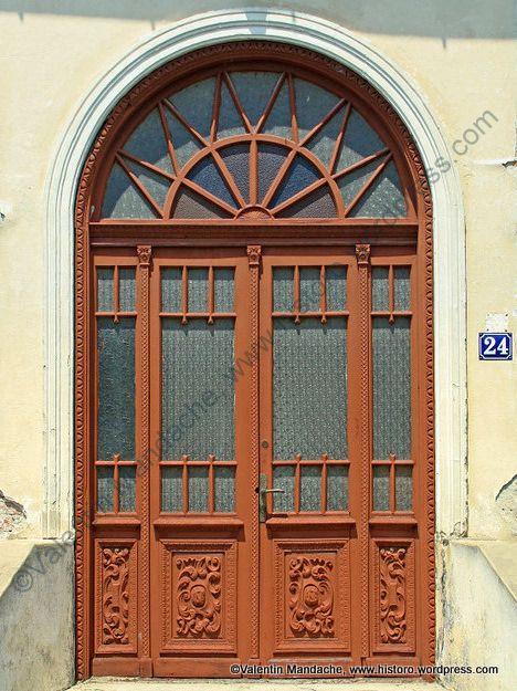 1900s doorway, Targoviste, southern Romania