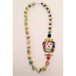 Collana multicolor con testa in ceramica di Caltagirone, Agata, cristalli e chiusura in argento 925 realizzata a mano