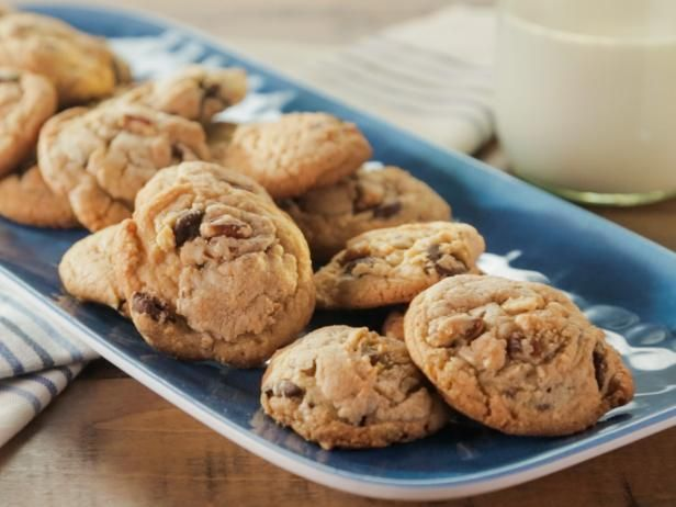 Get Trisha Yearwood's Quick Chocolate Chip Cookies Recipe from Food Network