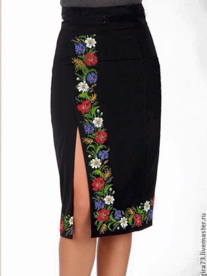 M s de 25 ideas incre bles sobre vestidos bordados en for Rodapie negro