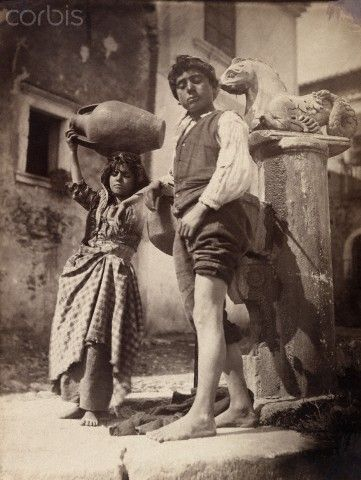 Young Sicilians pose for the camera, their classical features evident Sicilia 1916  #TuscanyAgriturismoGiratola