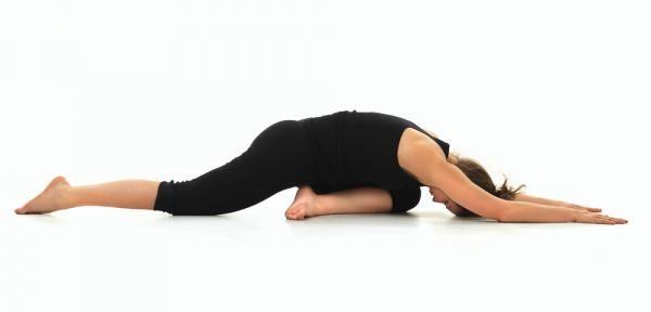 Lage rugpijn is één van de meest gehoorde klachten. Met de juiste yoga oefeningen kan al snel verlichting worden gebracht aan de stijve rugspieren.