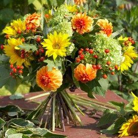 Gebruik van elke bloemsoort een oneven aantal. Dat geeft het mooiste resultaat.
