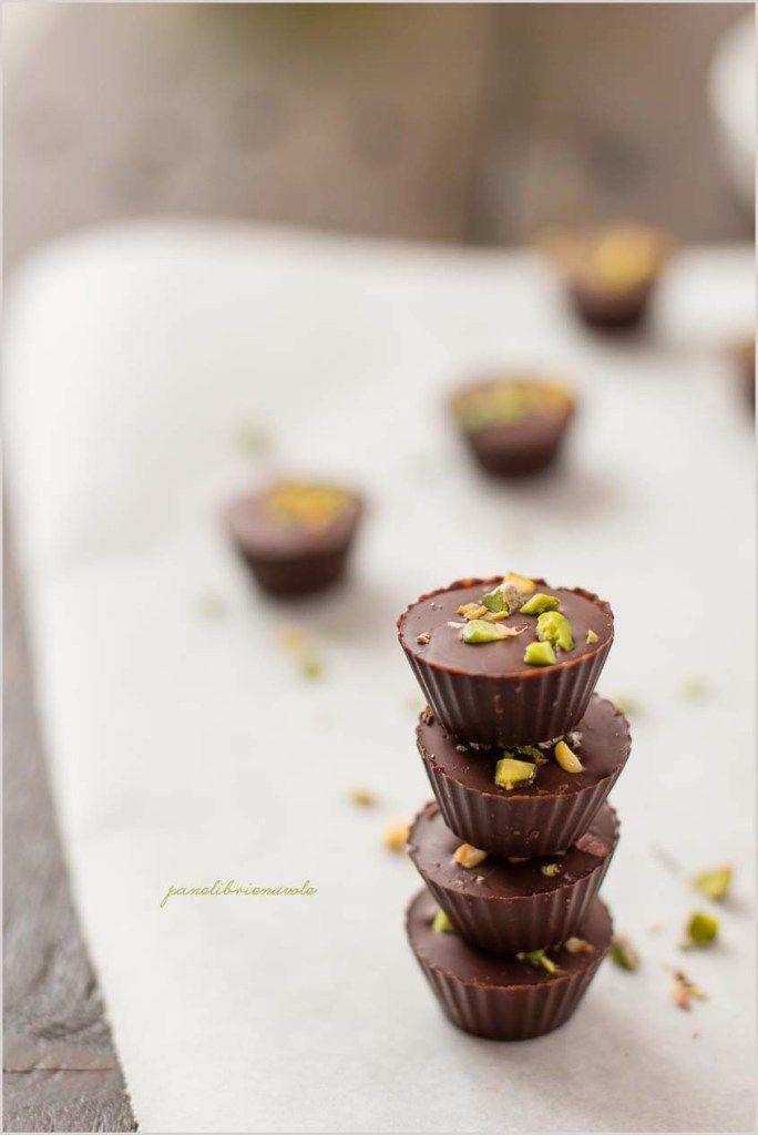 Bicchierini di cioccolato al pistacchio