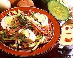 Ezersziget saláta