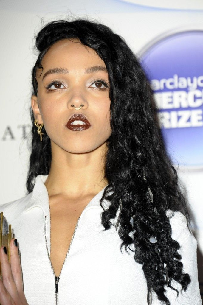 Robert Pattinson's girlfriend #FKAtwigs Goes Topless For Magazine Cover Shoot