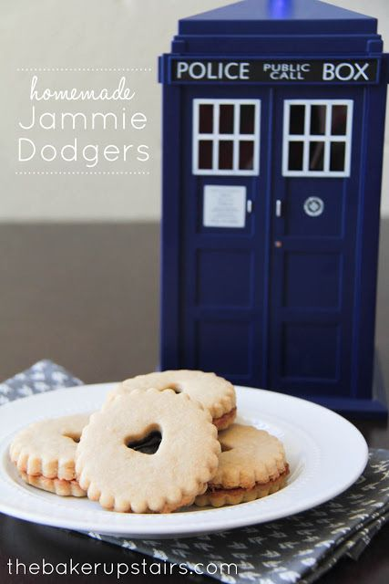 Homemade Jammie Dodgers to celebrate the 50th anniversary of Doctor Who! These would also be perfect for a little girl's tea party, or with a cup of hot chocolate! www.thebakerupstairs.com