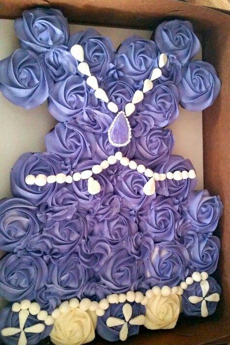 Princess sofia cupcake cake