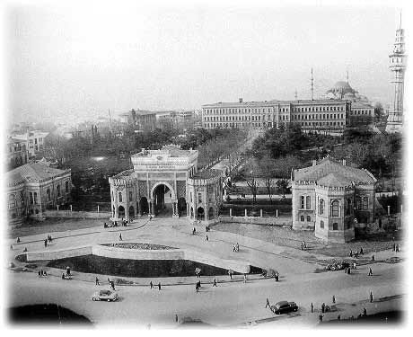 İstanbul Üniversitesi Beyazıt Kampüsü'nün eski bir görüntüsü