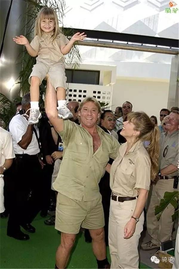 ♡♥Steve and Terri Irwin with their daughter Bindi Sue Irwin - click on pic to see a larger pic♥♡