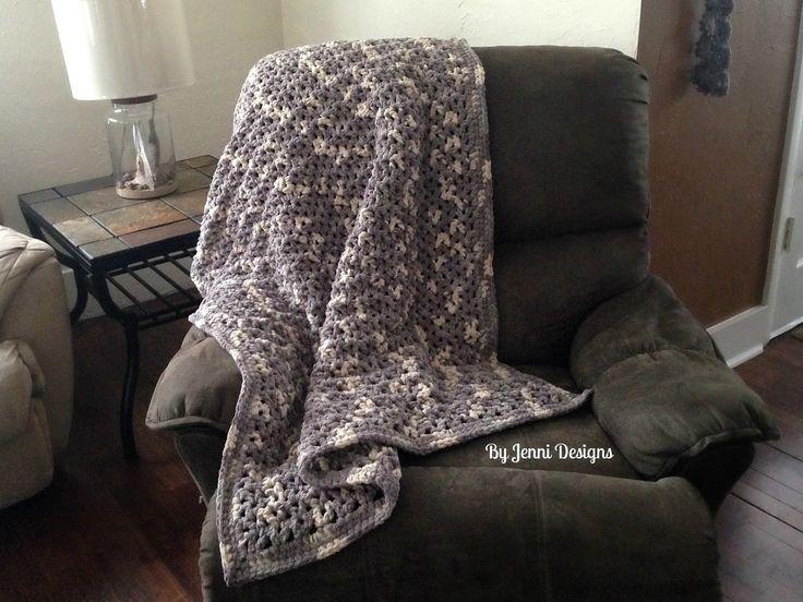 Free Crochet Pattern: Jenni's Favorite Chunky Throw Blanket using Bernat Blanket Yarn