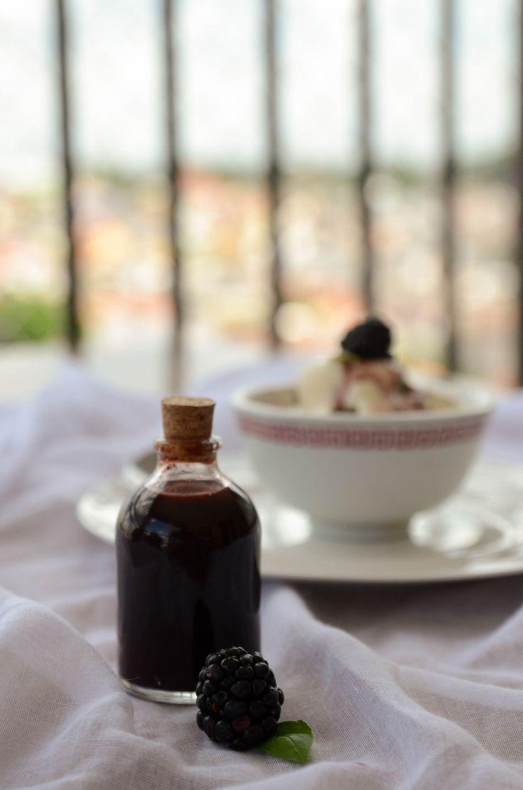 Molho de redução de balsamico e amoras (agridoce - vai com saladas e sorvetes)