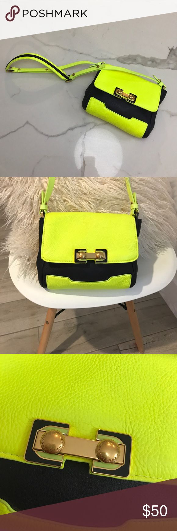 Marc Jacobs navy blue/neon yellow purse! Marc Jacobs navy blue/neon yellow purse! Authentic, worn once! Great condition! Marc Jacobs Bags Crossbody Bags