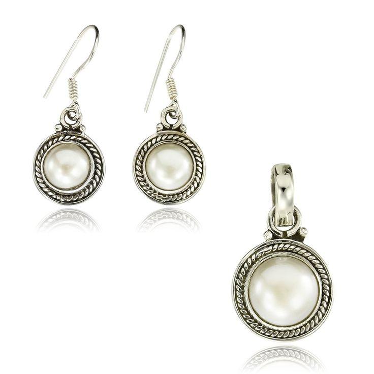 Set din argint 925, cod TRSS013 Check more at https://www.corelle.ro/produse/bijuterii/seturi-argint/set-din-argint-925-cod-trss013/