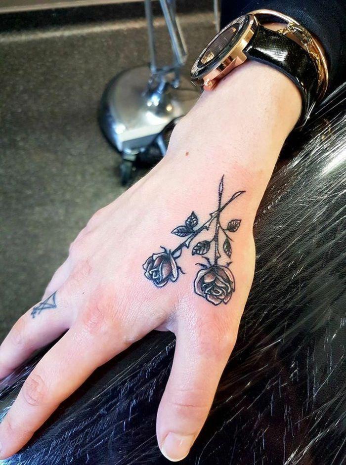 1001 Ideas De Tatuajes En La Mano Y Sus Significados Tatuajes En La Mano Tatuaje De Rosa En La Mano Manos Tattoo
