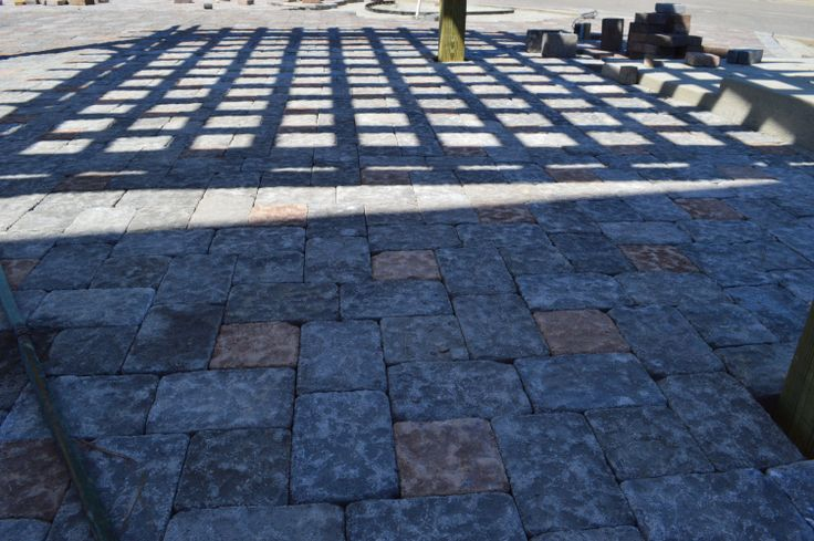 Outdoor Pavers Logan : Brick pavers are always an option that adds beauty and elegance to any