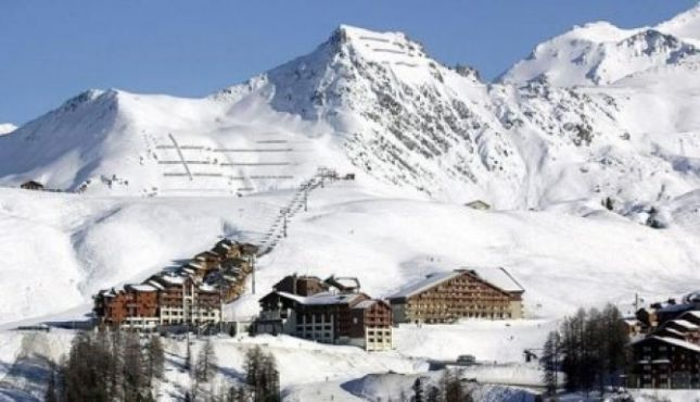 50 British blocked in French Alps FRANCE-50 British nationals have been trapped by snow since yesterday in the French Alps. Problems on the road have been the main cause of the British blockade. Eyewitnesses have reported to the media that British nationals are placed in a school in Albertville, where they spent the night. The […]