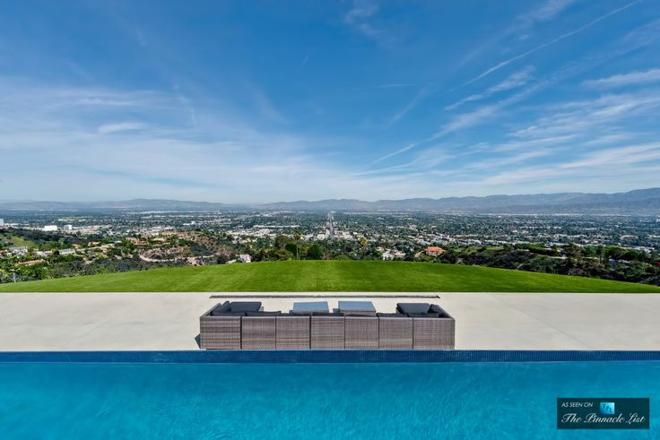 Luxury Residence - 13727 Mulholland Dr, Beverly Hills, CA