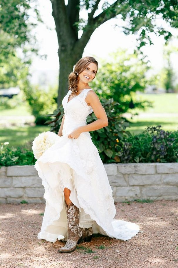 wedding ideas country style 25 best ideas about wedding dress boots on 27837
