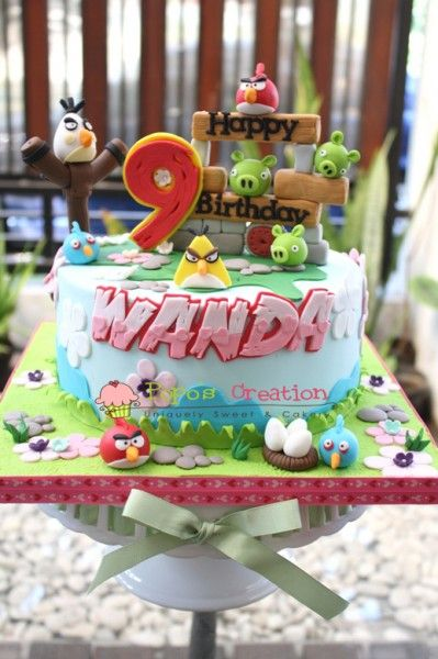 135 best cakes angry birds images on pinterest angry for Angry birds cake decoration