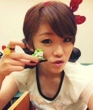 SECRET's Hyosung asks portal sites to edit her weight