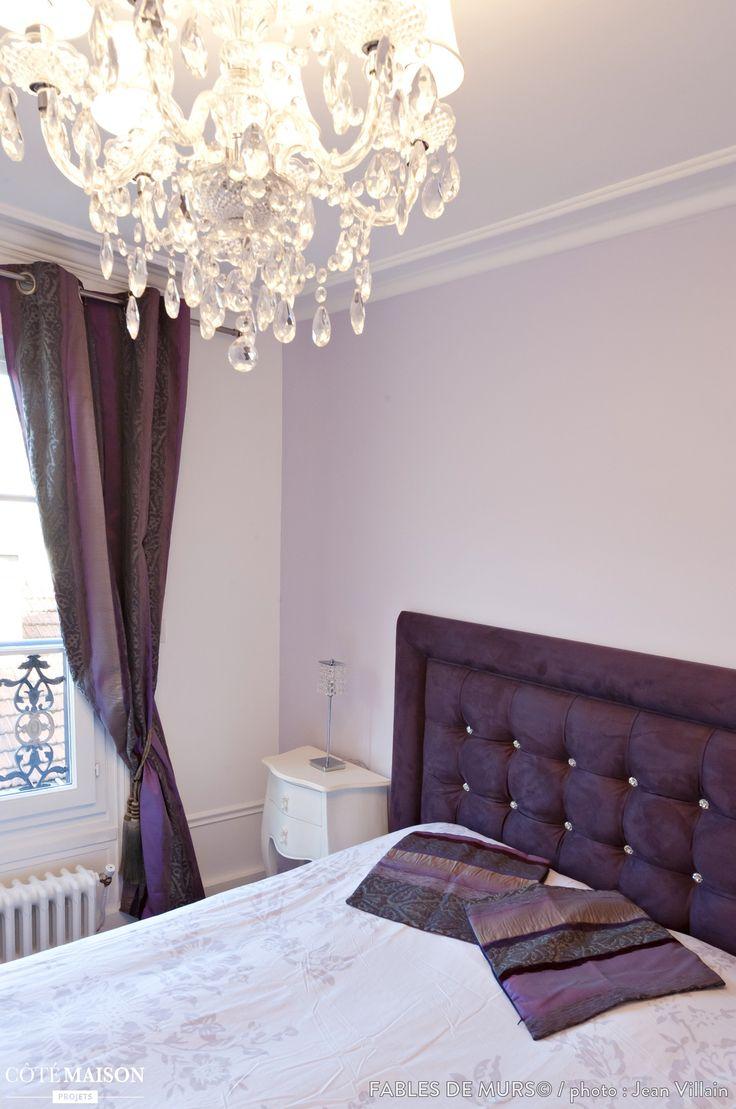 chambre coucher avec une t te de lit capitonn e mauve assortie aux rideaux miam chambre. Black Bedroom Furniture Sets. Home Design Ideas