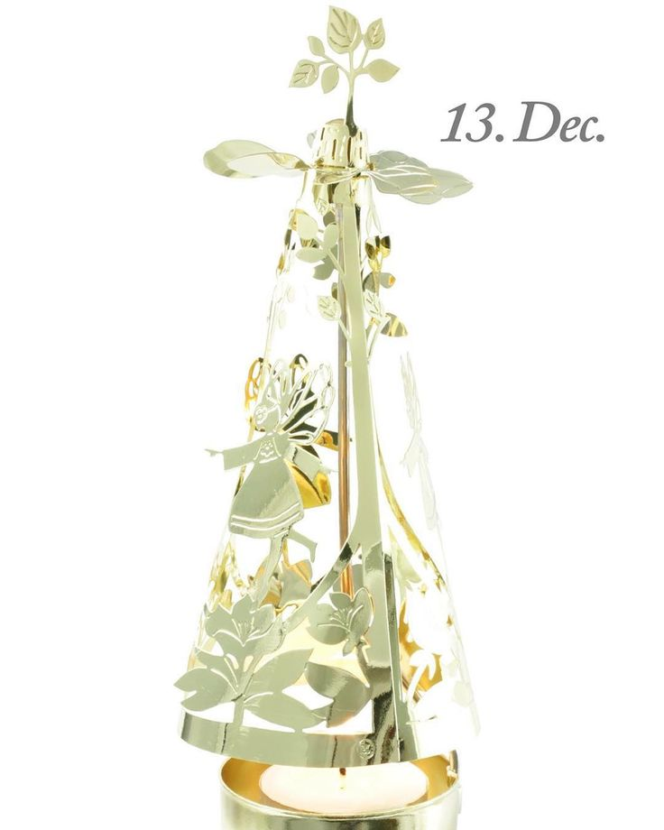 3. Advent Sunday, 13th of December. The design of the day is our Fairy-go-round, gold. Like our Facebook page & the post of the day and you might be the lucky winner! The Fairy-go-round, gold, costs 99,- in our web-shop www.jettefroelich.dk, but for today only! (Normal price 169,-) #christmascalendar #christmasgiveaway #facebook #jettefrölich #jettefroelich #jettefrölichdesign #jettefroelichdesign #danishdesign #scandinaviandesign